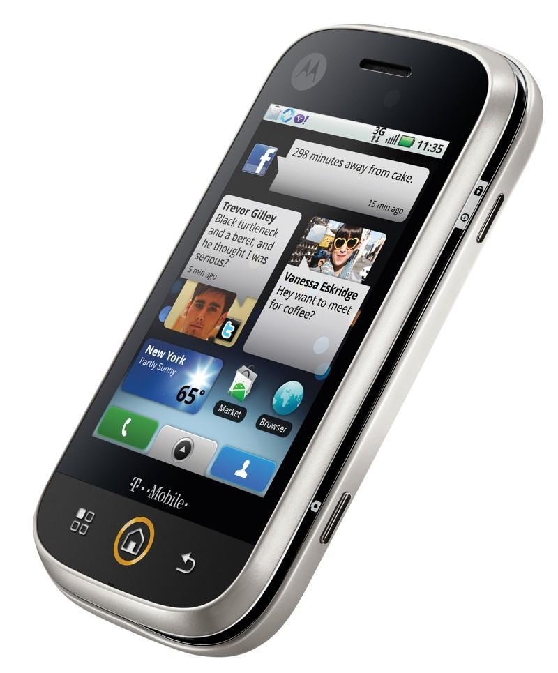 motorola cliq android Motorola's first Android Phone   CLIQ