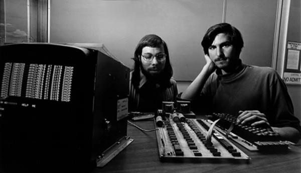 Apple I computer Steve Jobs: A Journey from Ashes to Billionaire   Photos