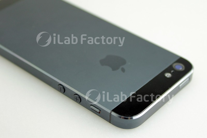 iPhone 5 leaked 2 iPhone 5 shows off in leaked shots