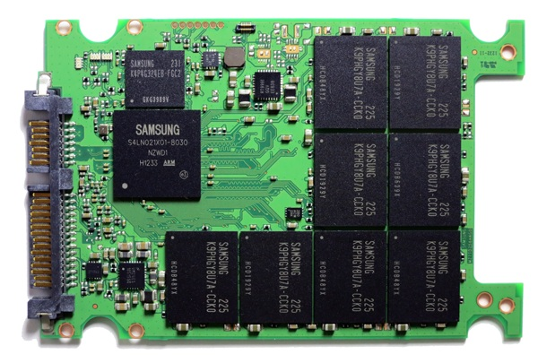840pro inside2 600px Samsung 840 Pro SSD Review & Pricing