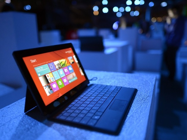 surf Microsoft Surface 2, Surface Pro 2 Tablets Rolling 23 September