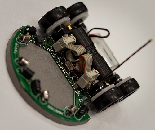 micromouse robot TETRA micromouse robot beats World Record with its out of the box Design