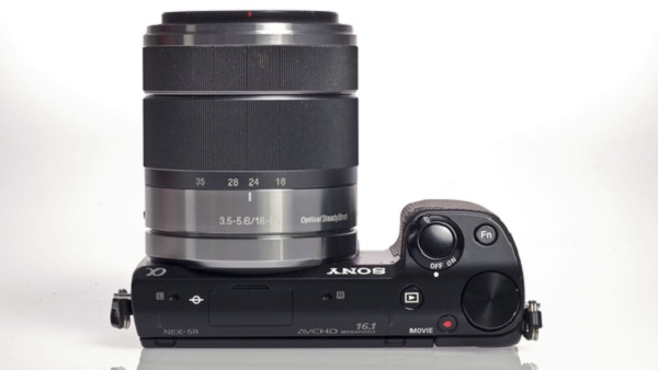 Sony NEX 5R Top Lens 580 100 Sony NEX 5 R   Design, features and Pricing