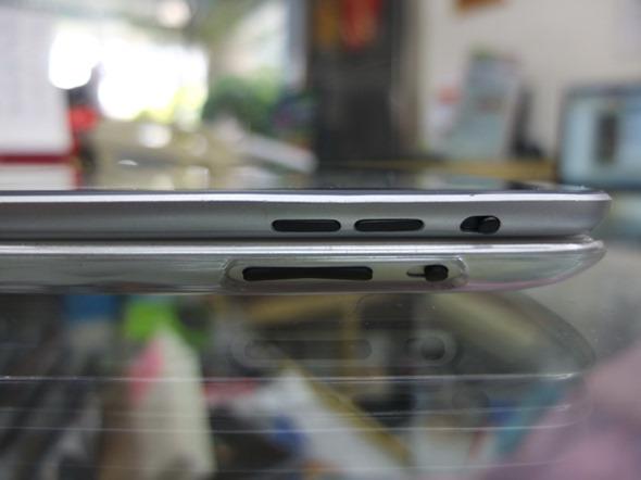 009 4 iPad mini, detailed mockup shots